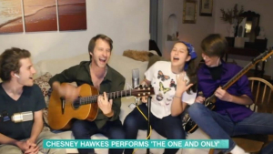 Chesney Hawkes and his three kids put on a show to raise spirits (Image: ITV)<br/>Fot. irishmirror.ie